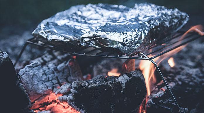 Dlaczego warto sięgnąć po folię aluminiową z tłoczeniem