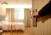 Jakie zalety ma hotel położony w centrum miasta