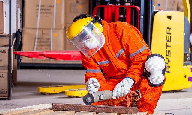 Odzież ochronna powiązana z odlewaniem metali